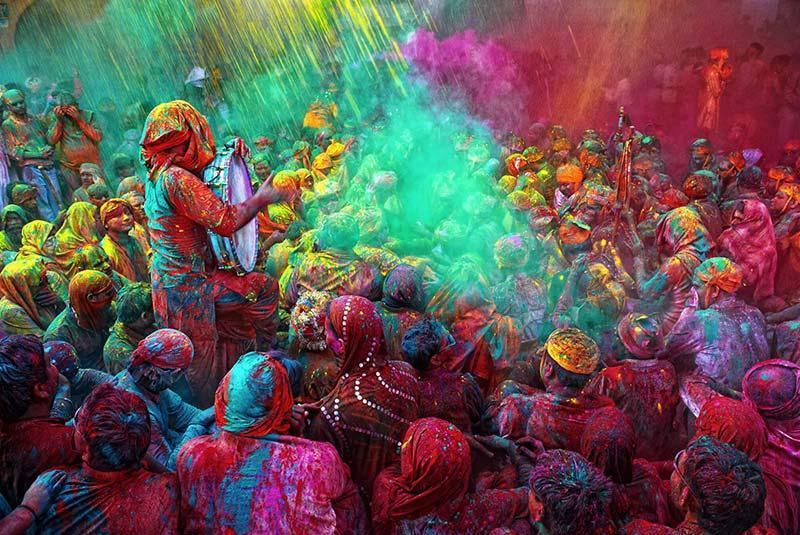 راهنمای ضروری برای جشنواره هولی 2018 در هند