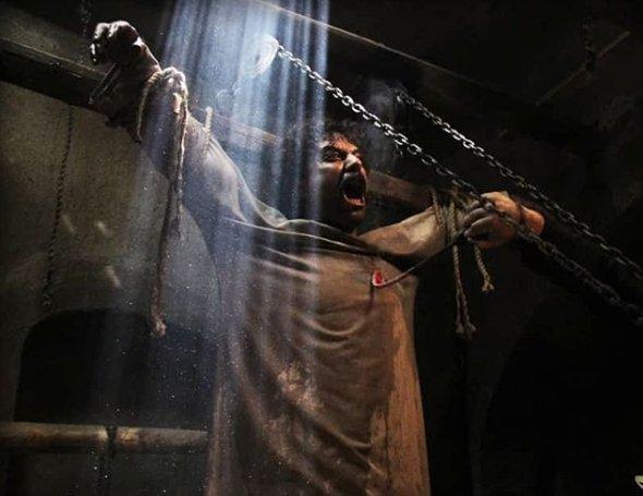 ابزار شکنجه تروریست های داعش در استان دیالی عراق را ببینید، عکس