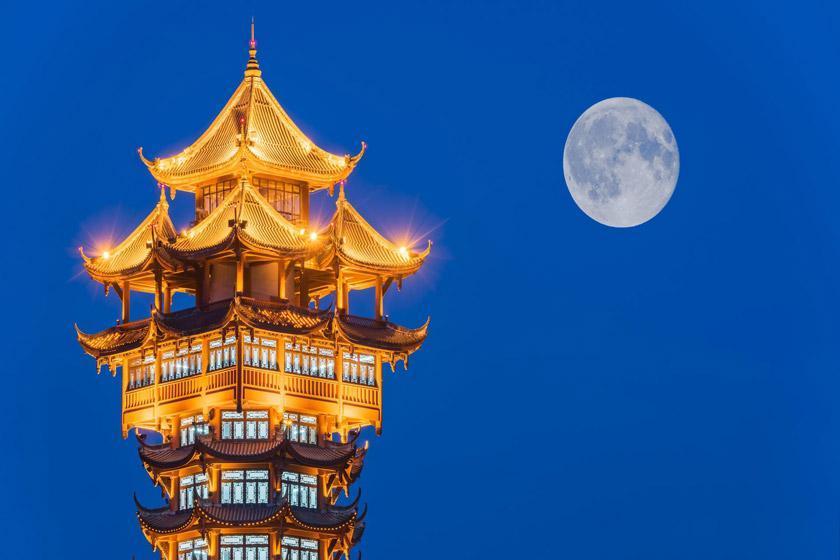 نصب یک ماه مصنوعی بر فراز چین تا سال 2020
