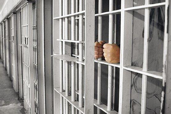 مقامات اندونزی به دنبال 200 زندانی متواری