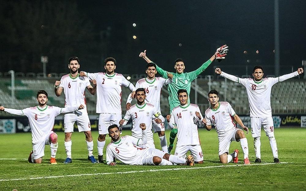 اماراتی ها هم مقابل ایران زانو زدند، صعود شاگردان پورموسوی به دور نهایی با 3 پیروزی