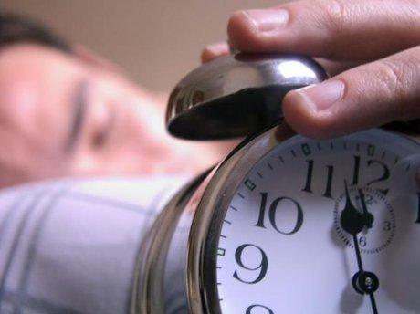 خواب طولانی روز های تعطیل مفید است؟