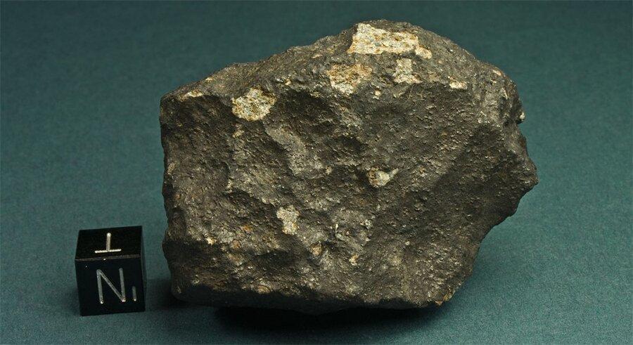شهاب سنگ 4.6 میلیارد ساله در خانه مرد استرالیایی ، سنگی که طلا نداشت اما پرارزش تر بود