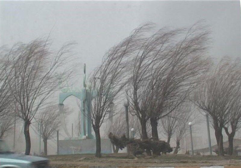خبرنگاران سرعت وزش باد پنجشنبه شب کرمانشاه به 122 کیلومتر رسید