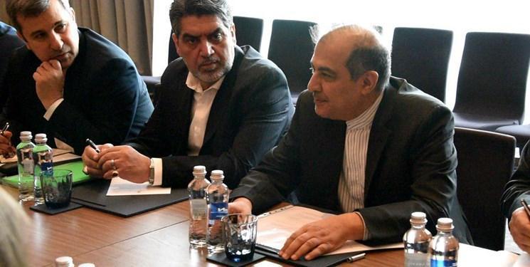 سفر دستیار ظریف به دوحه و رایزنی با وزیر مشاور در امور خارجی قطر