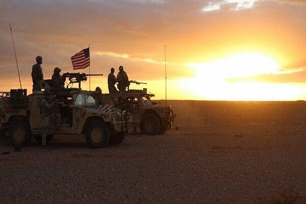 مردم سوریه با پرتاب سنگ از نظامیان آمریکایی استقبال کردند