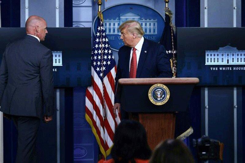 ببینید ، فرار ترامپ از کنفرانس خبری به علت تیراندازی در بیرون کاخ سفید
