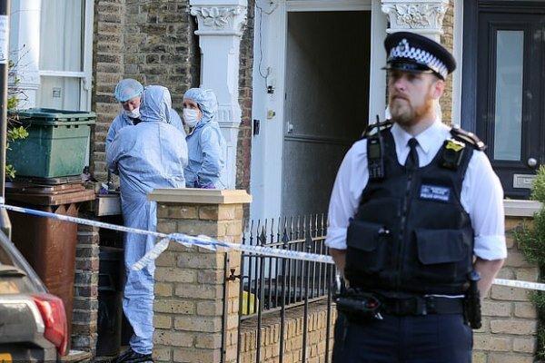 حمله با چاقو در انگلیس، پلیس از دادن اطلاعات امتناع کرد