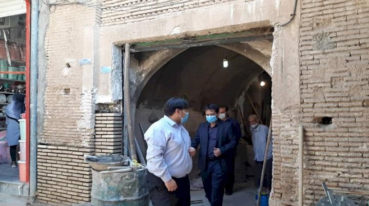 مغازه آخرین بازمانده صنعت نمدمالی در بازار قدیم دزفول بازسازی شد