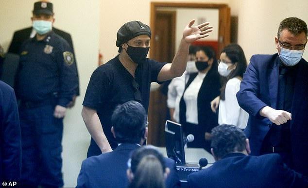 رونالدینیو به ویروس کرونا مبتلا شد