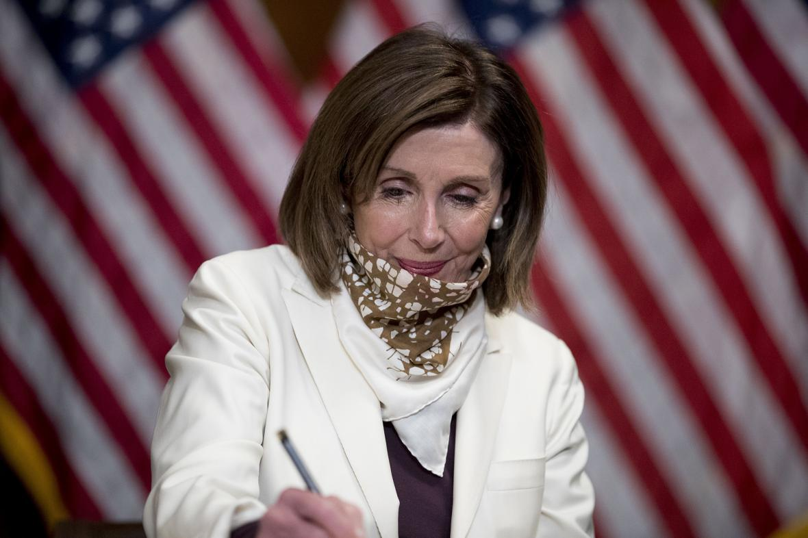 حمله نانسی پلوسی به جمهوریخواهان: سیرک را متوقف کنید!