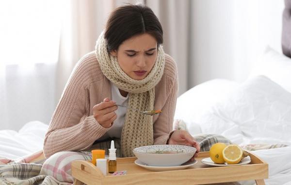 23 خوراکی و نوشیدنی مفید برای درمان فوری سرماخوردگی