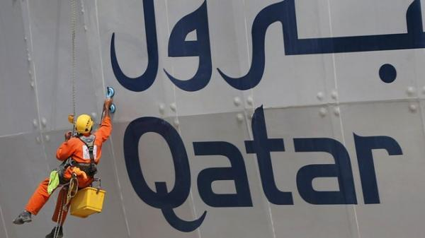قطر بعد از سه سال و نیم به امارات نفت صادر کرد