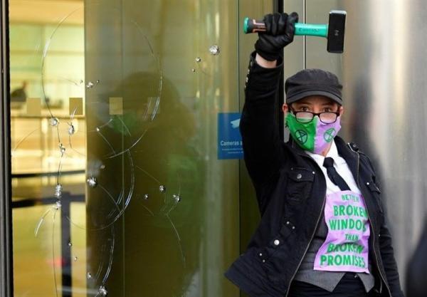 تظاهرات فعالان تغییرات اقلیمی در لندن به خشونت کشیده شد
