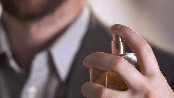 معرفی 16 مورد از بهترین عطر های مردانه با ماندگاری بالا