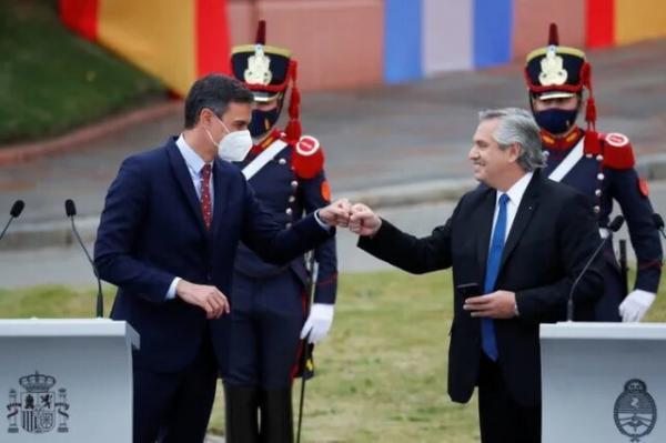 رئیس جمهوری آرژانتین، برزیلی ها را جنگلی خطاب کرد!