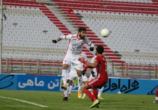 لیگ برتر فوتبال، تساوی پدیده و تراکتور در نیمه اول
